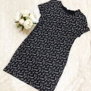 Old Navy Print Dress/ Black and White